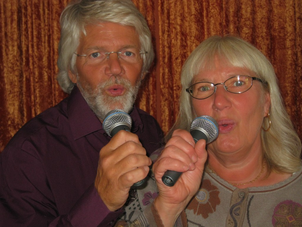 Allsång på Kullerbacken 2010 08 15 Haverö 2010 054